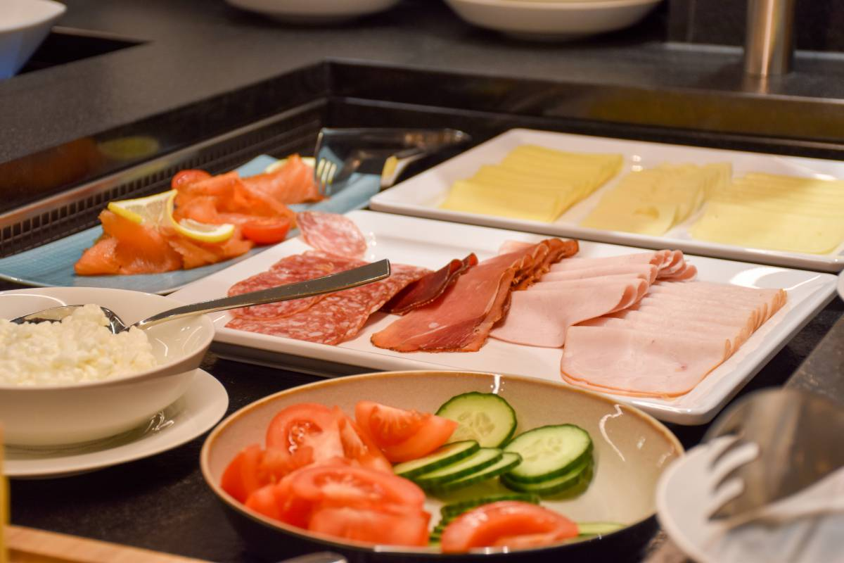 Breakfast with cold cuts, cheese and more in the Family Hotel Gorfion